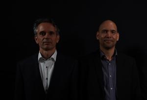 Pyrolyze: Peter Klaren en Raymundo Hooten