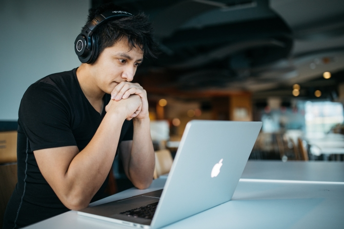 Online pitchen